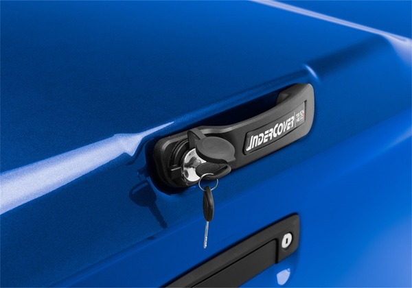 Use your truck's ignition key to unlock and lock the tonneau