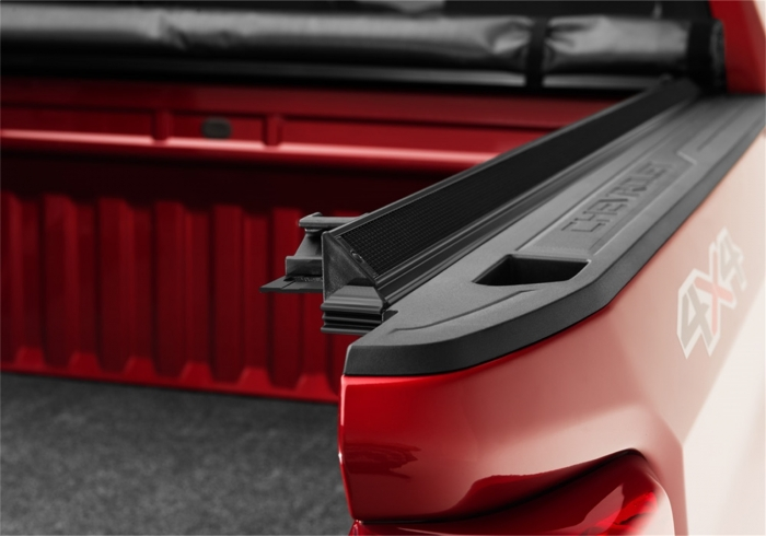 Close up of TruXedo Edge tonneau cover
