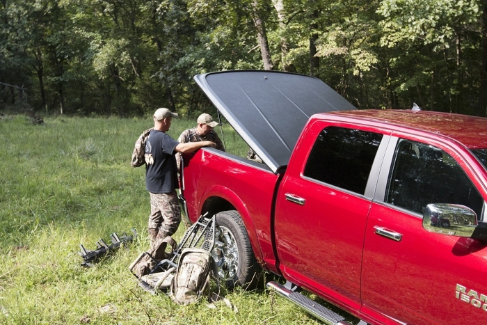 UnderCover SE Hinged Tonneau Cover
