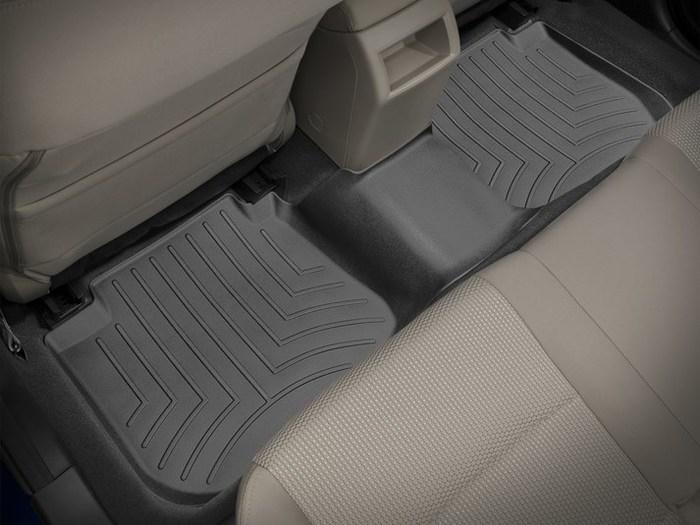 442592 WeatherTech Custom Fit Rear FloorLiner for Subaru Legacy//Outback Black